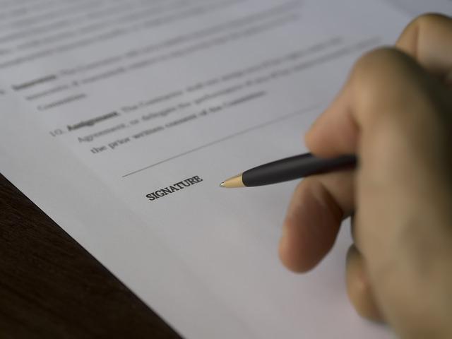 L'IMPATTO DEL COVID-19 SUI CONTRATTI INTERNAZIONALI E LA LORO ESECUZIONE Sportello Legale ADACI Studio Falbo e Manara